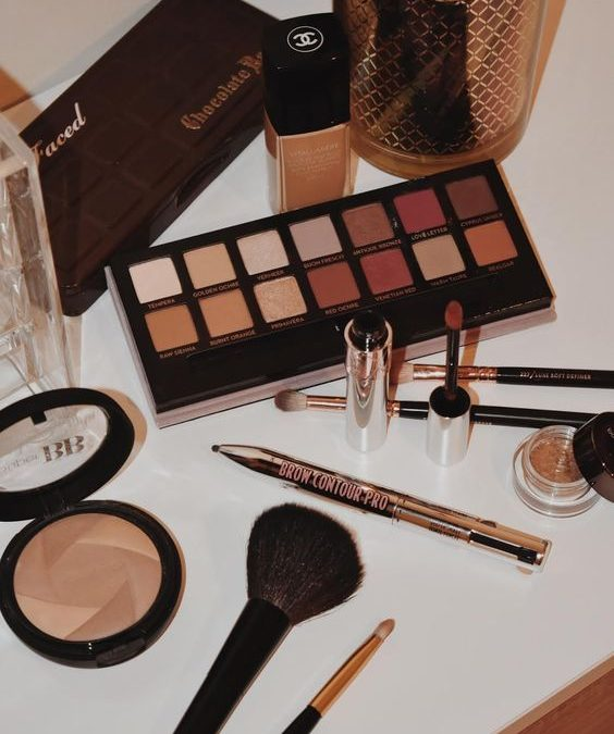 What products do you need for a full face of makeup?
